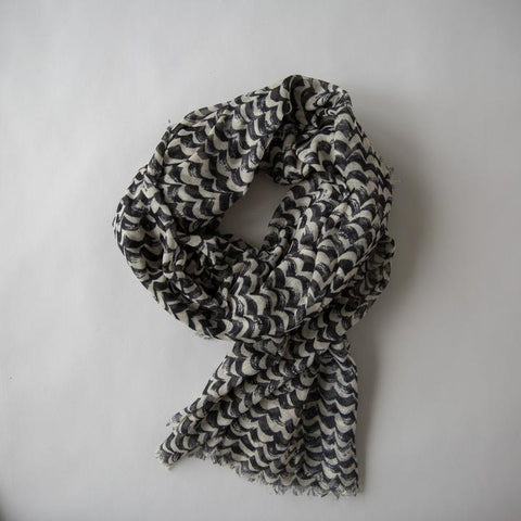 waves maxi scarf