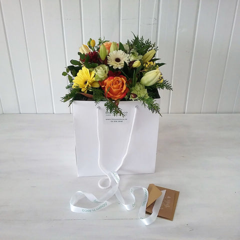 ready to go bouquet + vase + gift bag