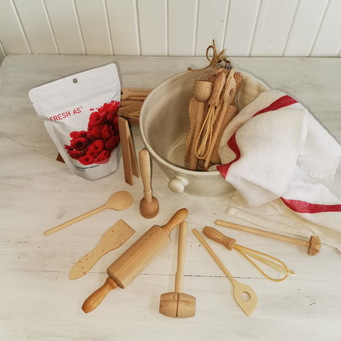 beechwood baking set for kids