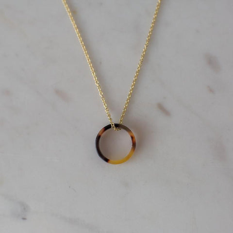 little o tort necklace