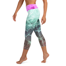 Turquoise/Fuschia Fish scale Capri Dive Leggings