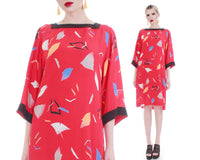 "Vtg Silky Kimono Sleeve Tunic Dress Red Abstract Print Union Made in the USA Women's Size Medium 39"" bust - 39"" waist - 39"" hips"