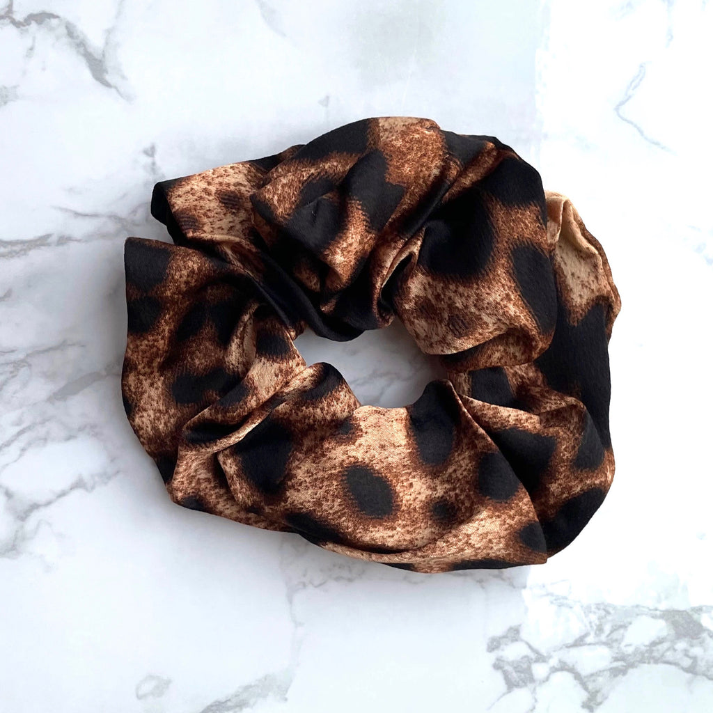 THE SCRUNCHIE - TAN LEOPARD