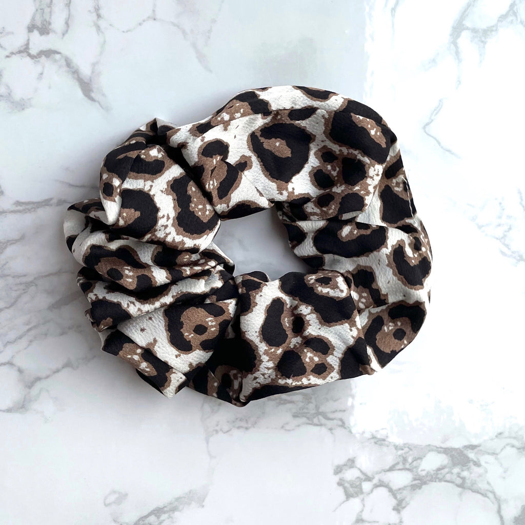 THE SCRUNCHIE - BEIGE LEOPARD