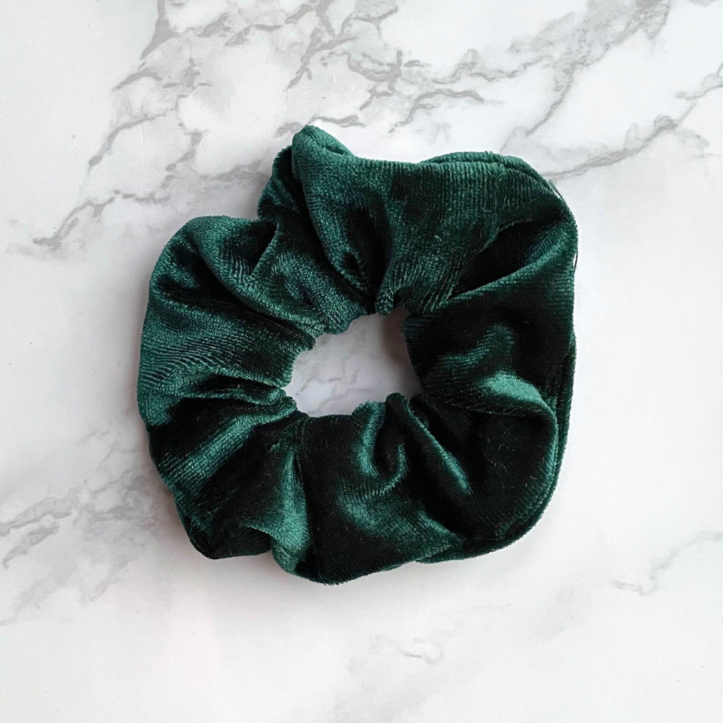 THE VELVET SCRUNCHIE - EMERALD