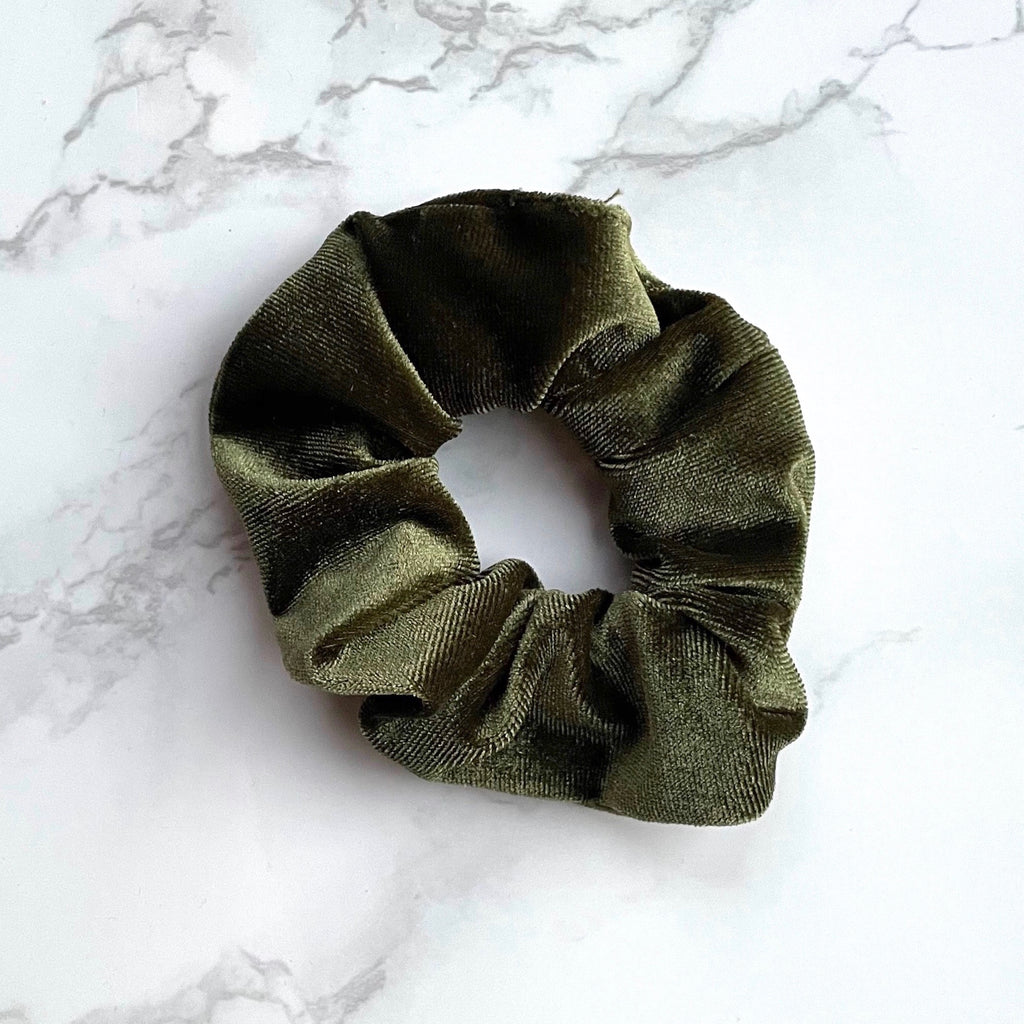 THE VELVET SCRUNCHIE - MOSS