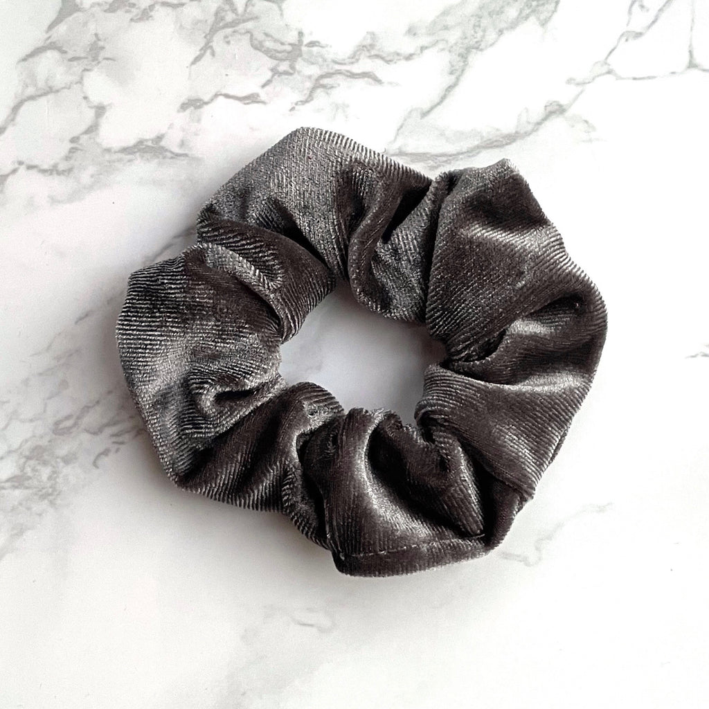 THE VELVET SCRUNCHIE - SILVER