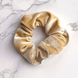 THE VELVET SCRUNCHIE - CREAM