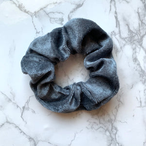 THE VELOUR SCRUNCHIE - CHARCOAL