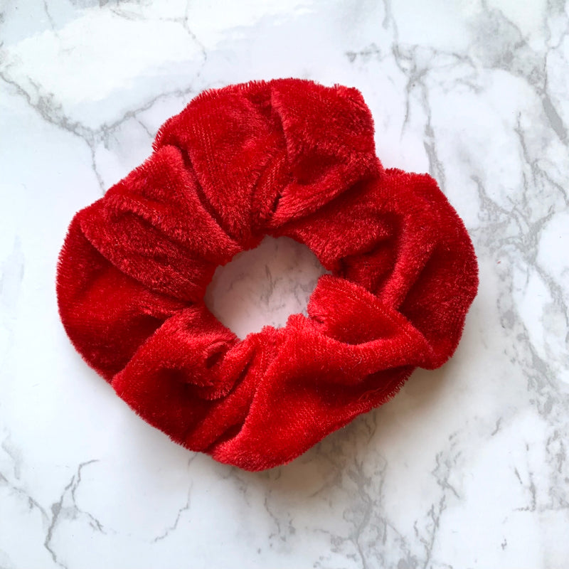 THE VELOUR SCRUNCHIE - RED