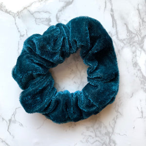 THE VELOUR SCRUNCHIE - TEAL