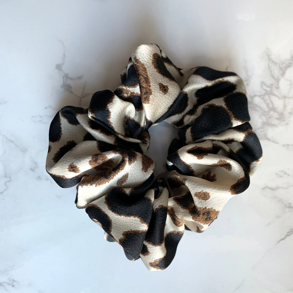 THE SCRUNCHIE - IVORY LEOPARD