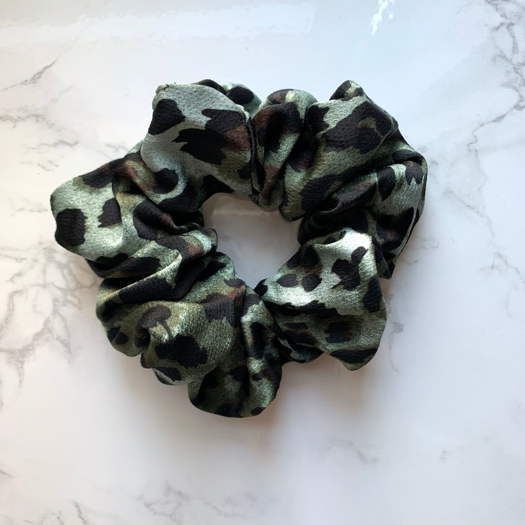 THE SCRUNCHIE - TEAL LEOPARD