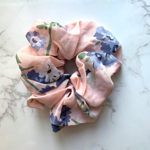 THE SCRUNCHIE - PINK FLORAL