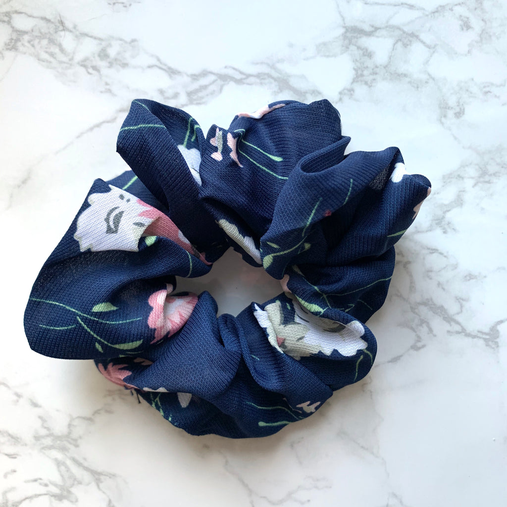 THE SCRUNCHIE - NAVY FLORAL