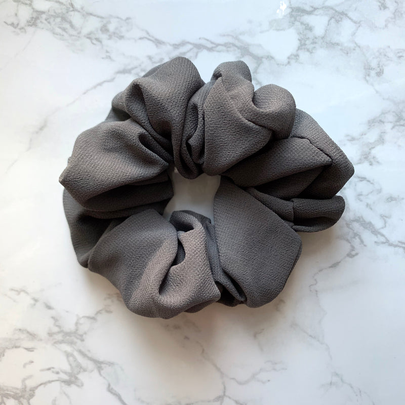 THE SCRUNCHIE - CHARCOAL