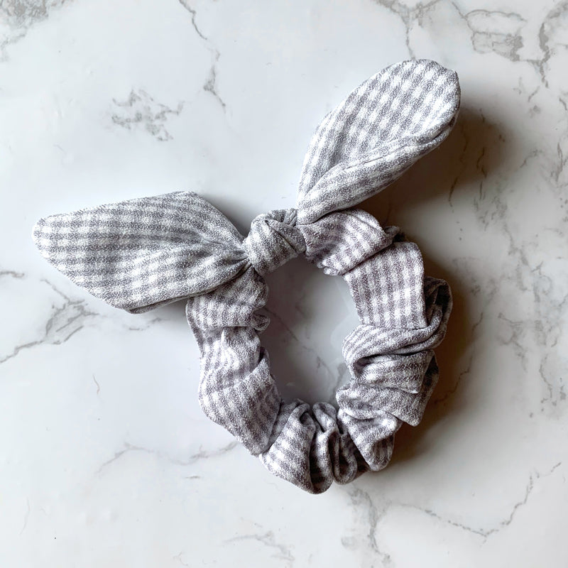 THE BUNNY SCRUNCHIE - GREY GINGHAM