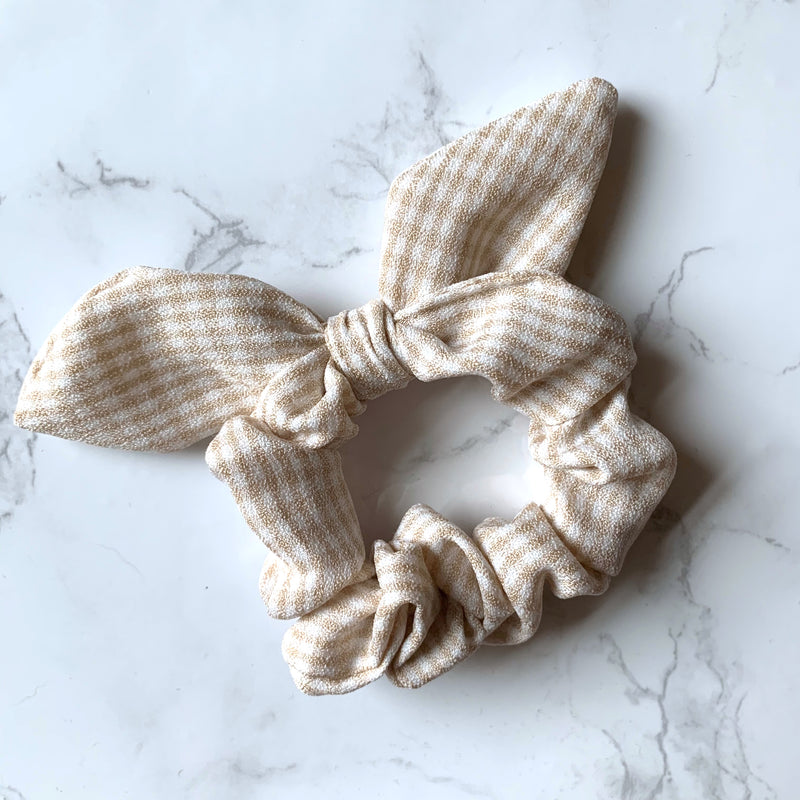 THE BUNNY SCRUNCHIE - TAN GINGHAM