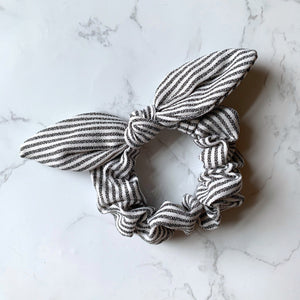 THE BUNNY SCRUNCHIE - BLACK STRIPE