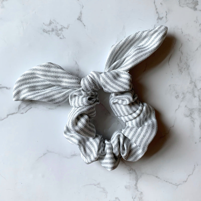 THE BUNNY SCRUNCHIE - GREY STRIPE