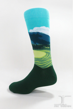 Load image into Gallery viewer, Golf Course: mens crew socks