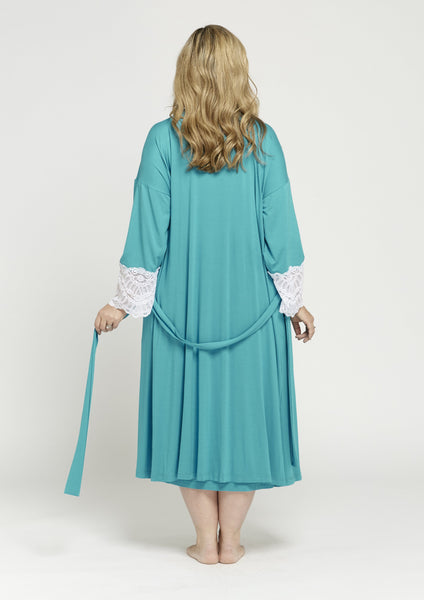 PJ032 CLASSIC LACE SLEEVE GOWN