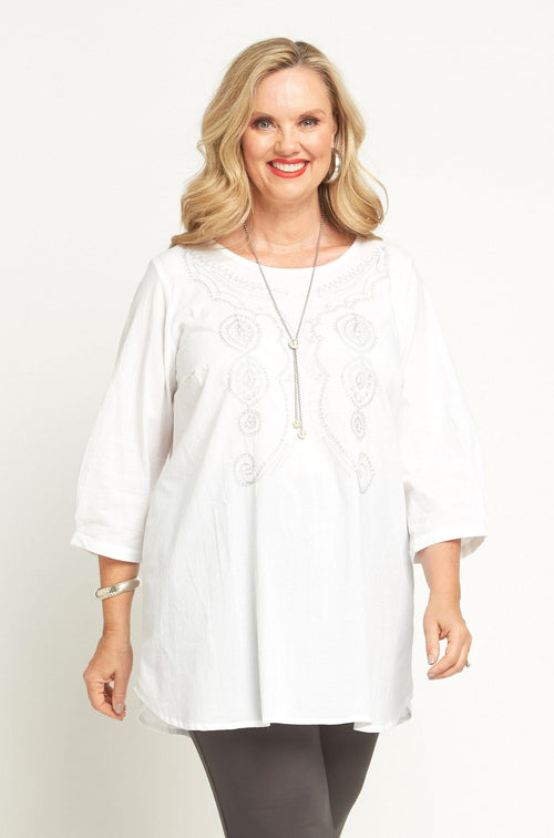 70161 EMBROIDERED TOP