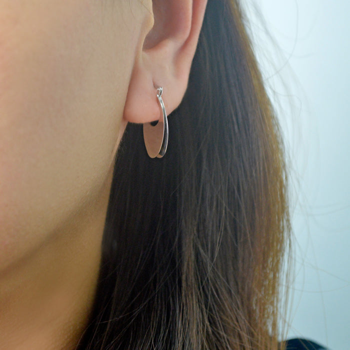 Oval U Earrings (18K Gold)