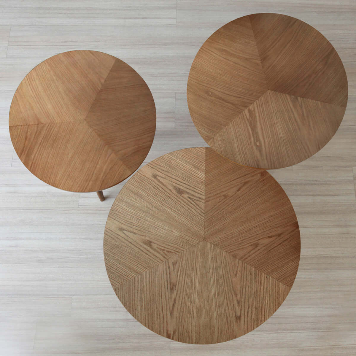 a gorgeous and contemporary chelsea round side table - small