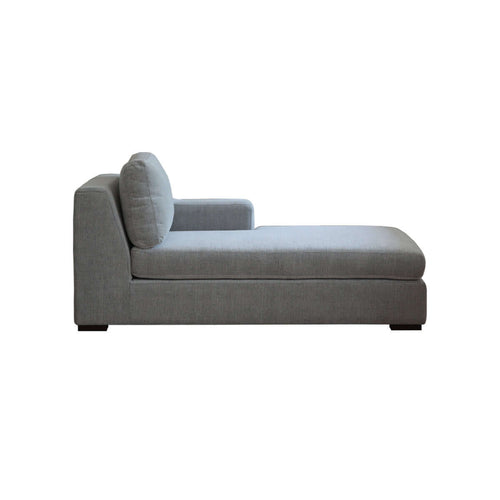 Presidio daybed sofa with prestigious accent arm