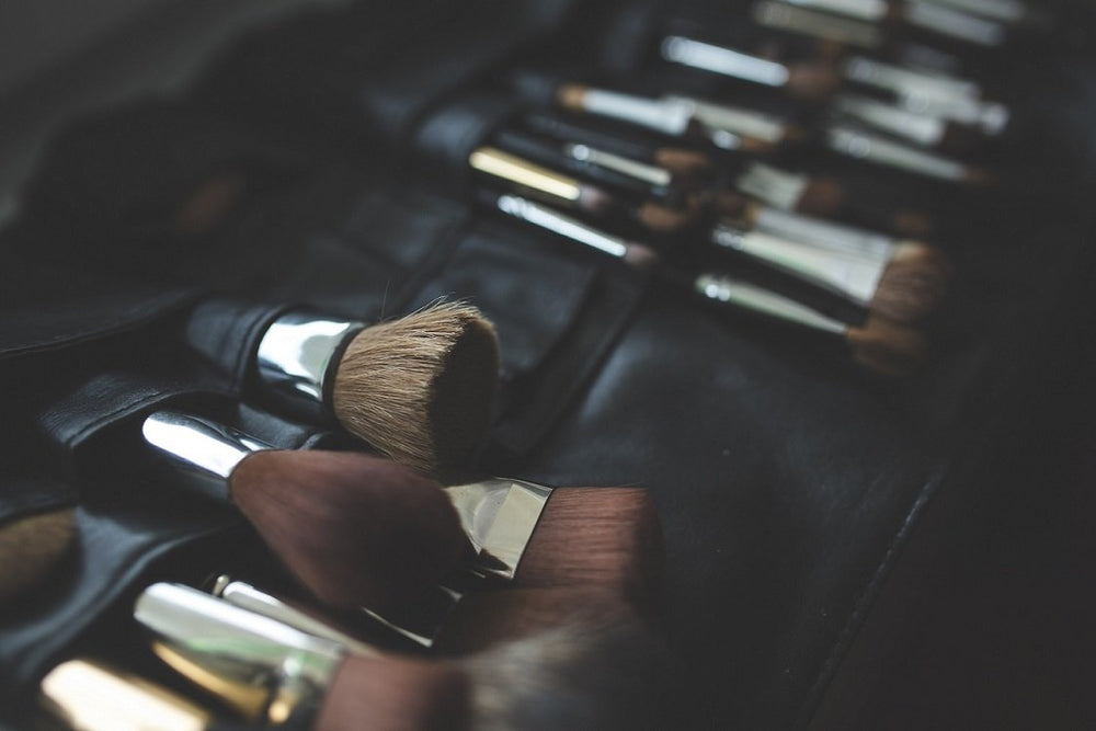 6 Essential Makeup Brushes Every Woman Needs