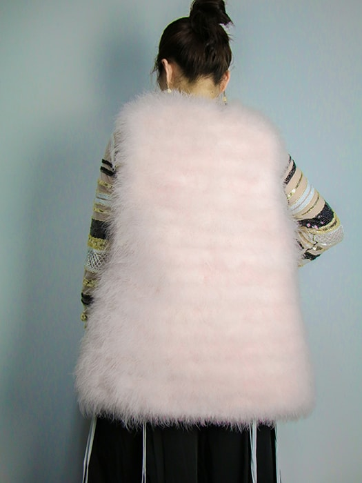 Collarless Cozy Faux Fur Non-sleeve Coat