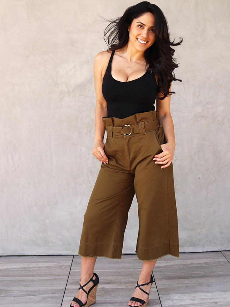 High Waist Metallic Circle Belt Wide-Legged Pants