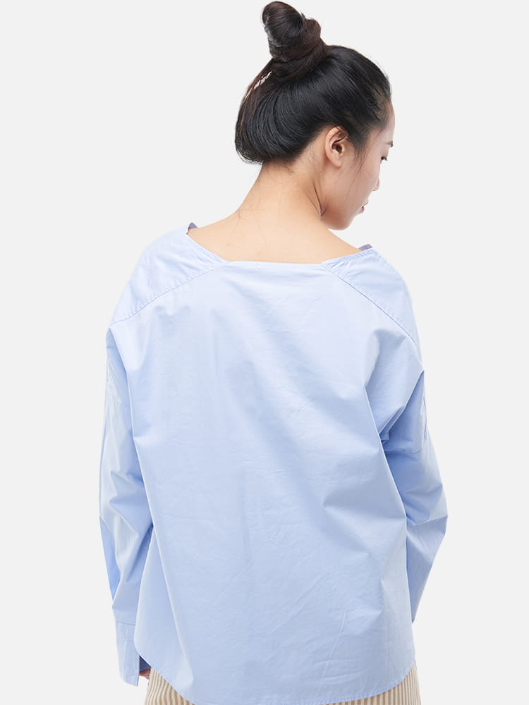V-neck Loose Fit T-shirt