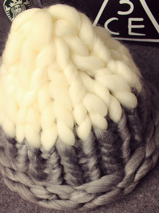 Turn-up brim Cable Knit Hat