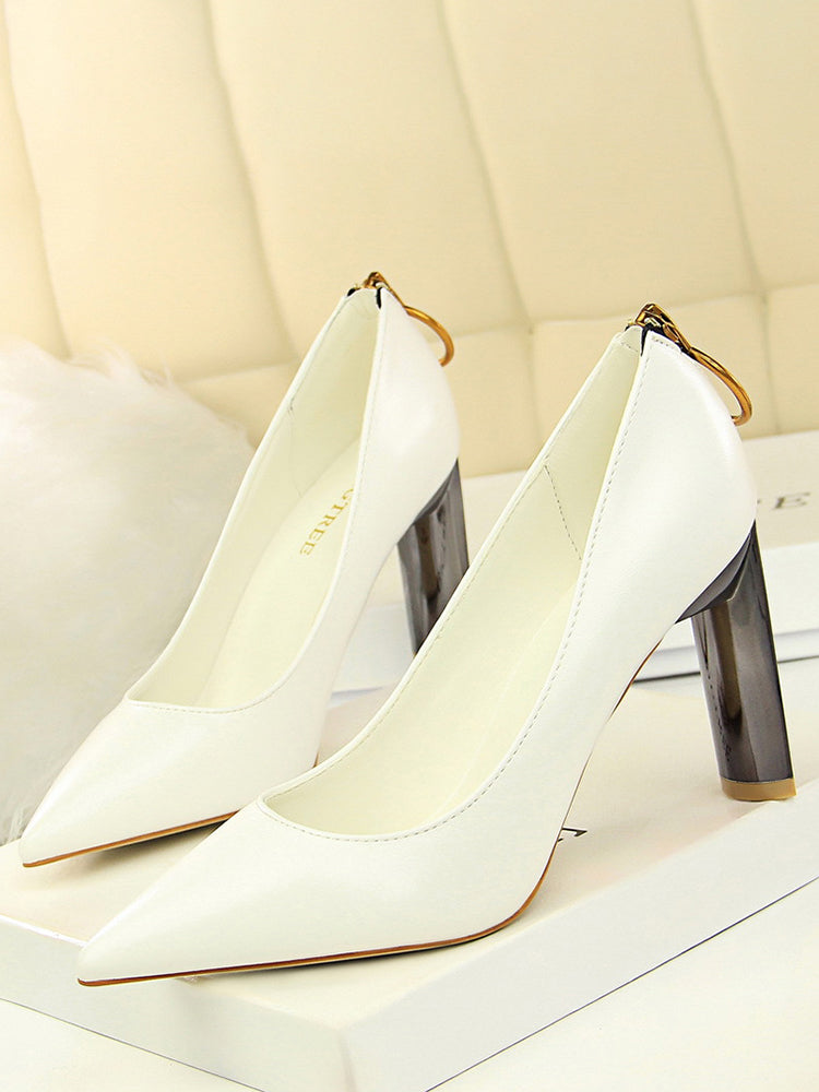 Golden Pull Zip Closure Pumps