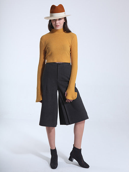 Wide Leg Midi Pants In Black - L / Black 21481