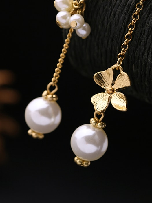 BLooming Miss Pearl Earrings