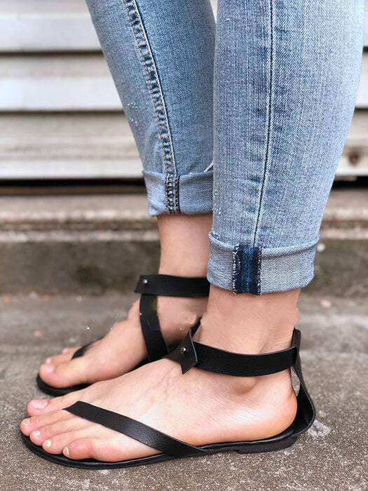 Toepost Buckle Flat Rome Sandals