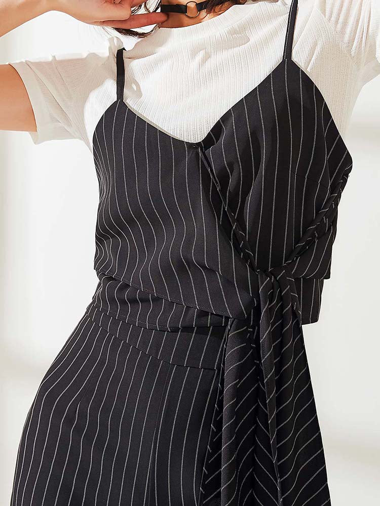 Elegant Lady Striped Suit