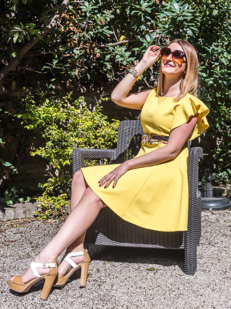 Round Collar Dress In Yellow With One Ruffle Sleeve