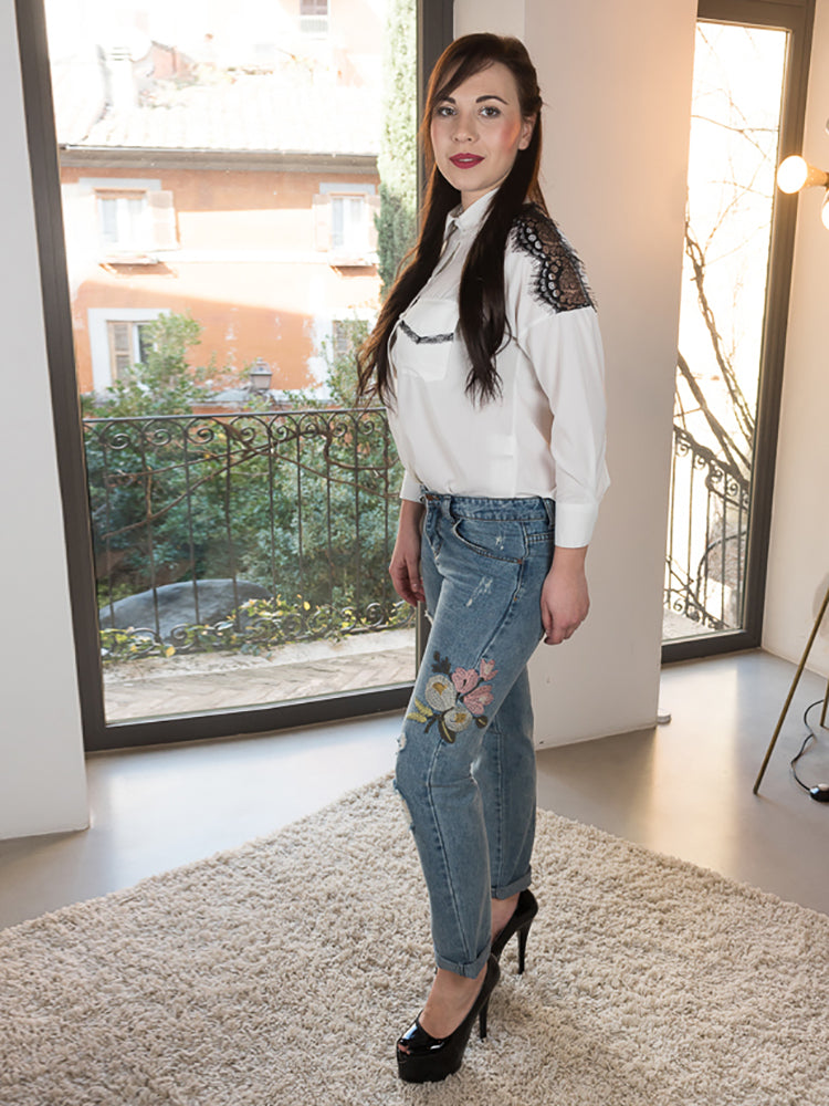 Embroidered High Waist Jeans With Open Hole Knee