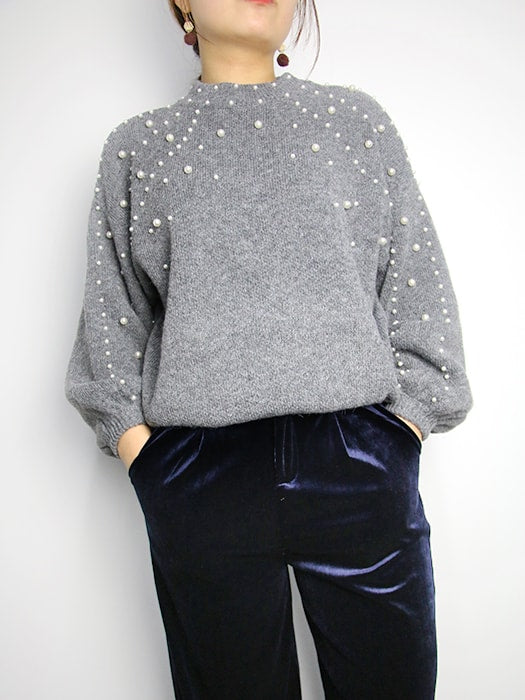 Solid Color Bubble Sleeve Sweater With Beads