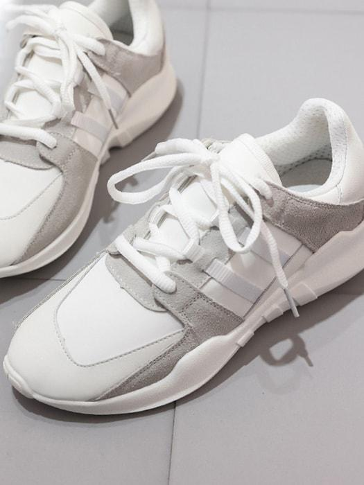 Classic Patched White Running Sneakers - White / 5 4503