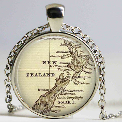 NEW ZEALAND MAP NECKLACES 001