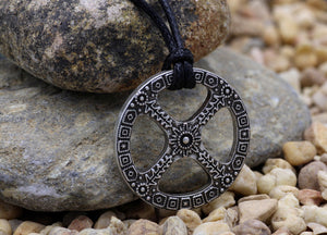 Sun Cross Pendant Norse Amulet Wheel of Life Celtic Necklace -m3