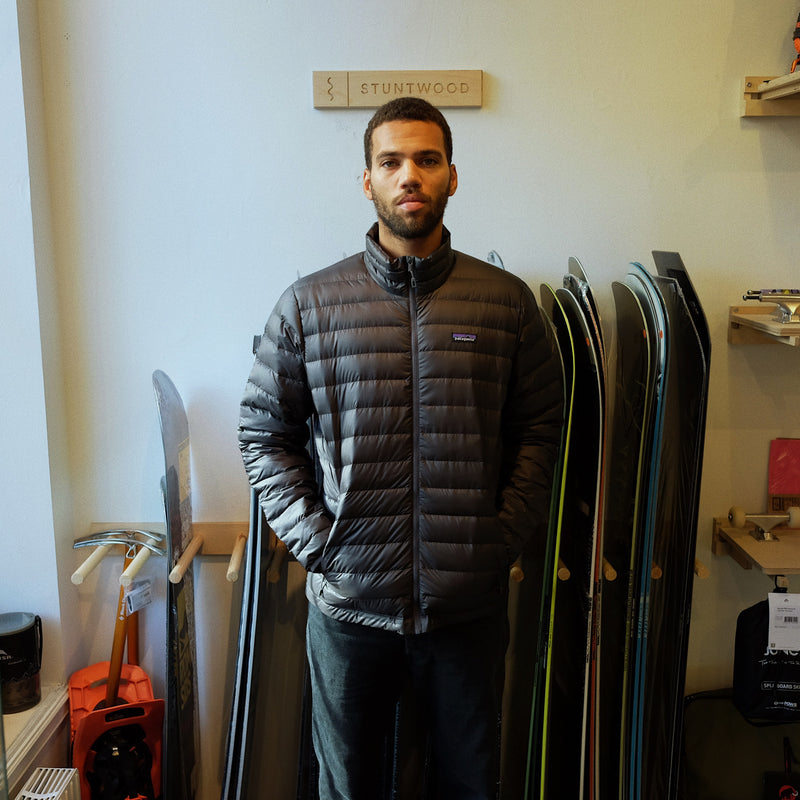 Patagonia - M's Down Sweater - Forge Grey w/Forge Grey - Stuntwood