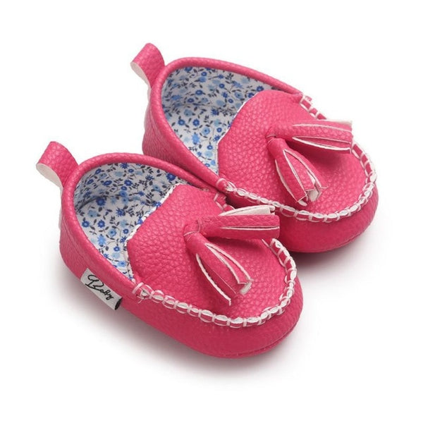 Infants soft sole sneakers