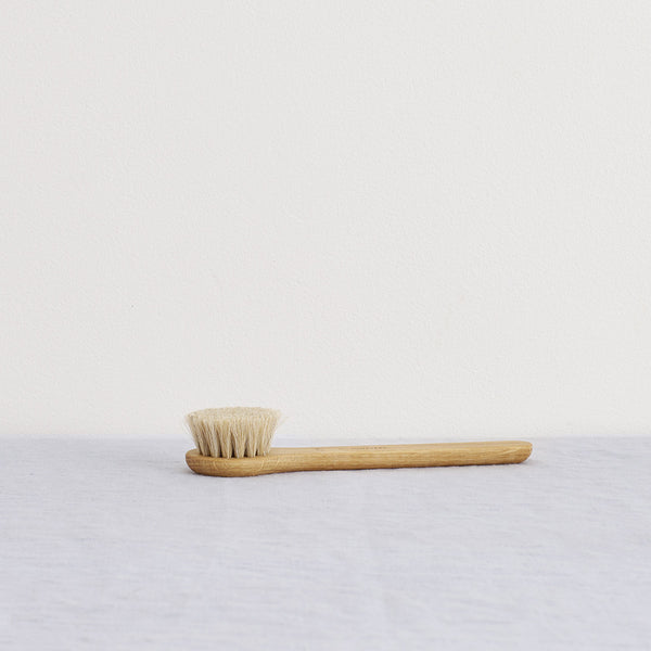 Iris Hantverk Face Brush - Iris Hantverk Wet Face Brush - Scandinavian Home - Swedish Design - Nordic Home - Natural Home - Eco Friendly Living - Bath - Natural Beauty