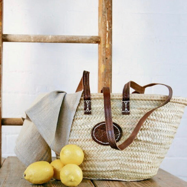 Single strap basket